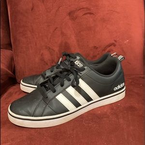 Adidas VS Pace casual black shoes. Size 9.5.